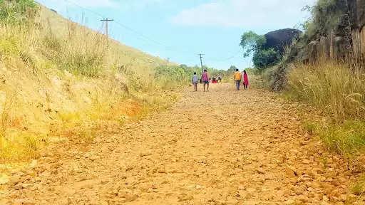 ഇലവീഴാപൂഞ്ചിറ-മേലുകാവ് റോഡ്
